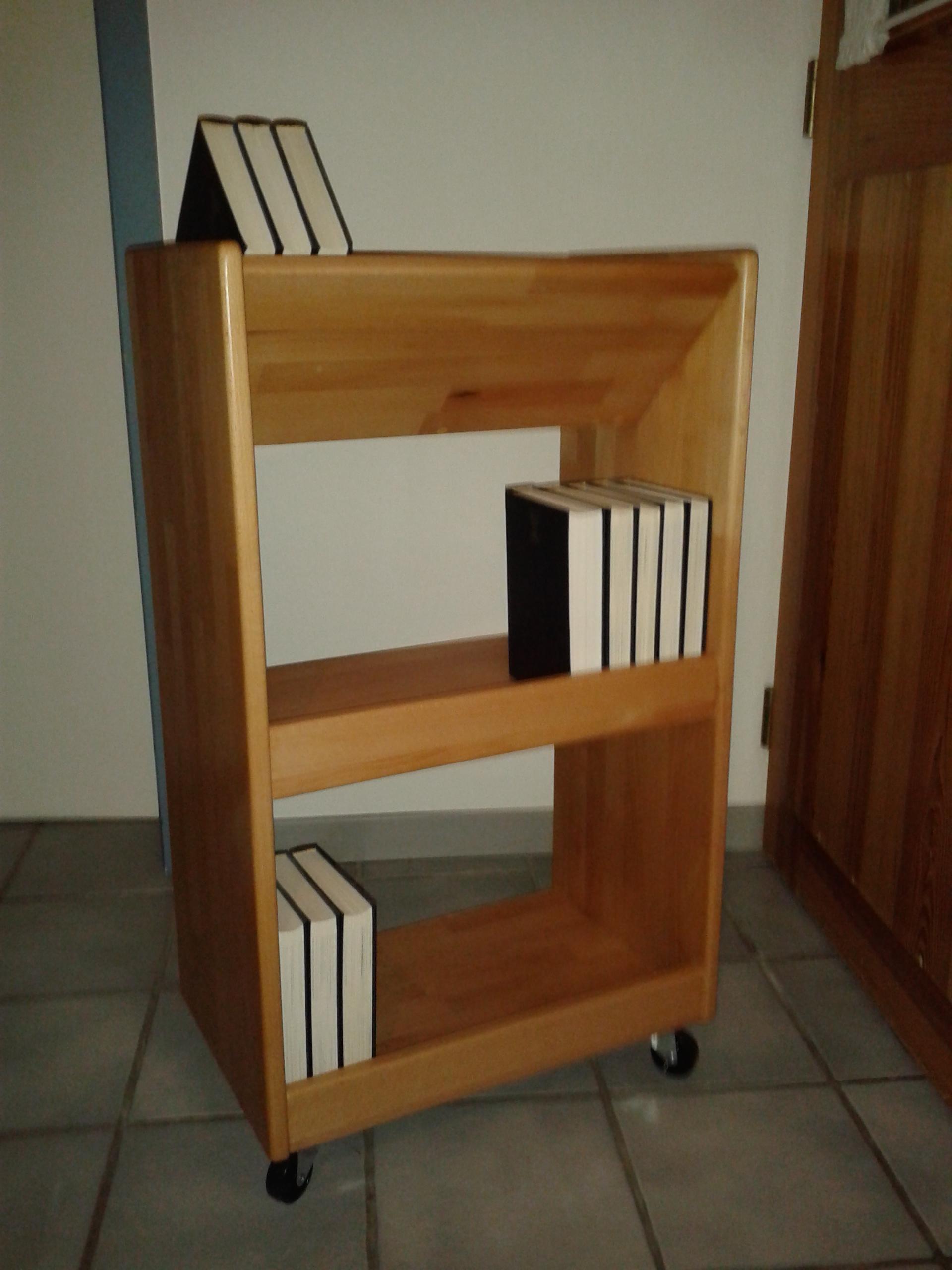 Bücherwagen-Buche