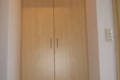 9-Garderoben-Schrank-in-Nische